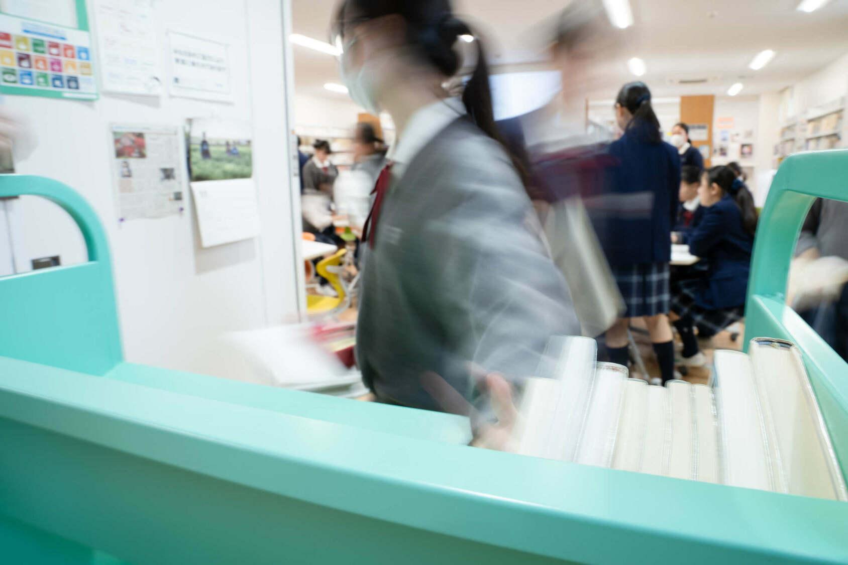 山崎学園 富士見中学高等学校 図書館