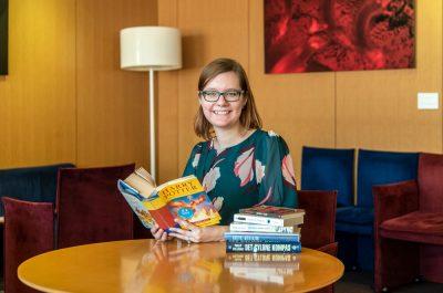エミリー・クリスティーヌ・バッゲ博士「本とともに成長してきた」
