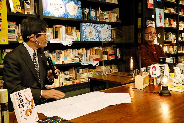 小安博士と武村博士の画像